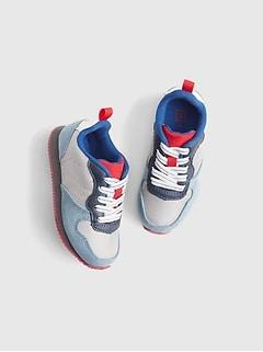 GAP Baby Toddler Girls Size US 8 White Eyelet Slip-On Flats Sneakers Shoes